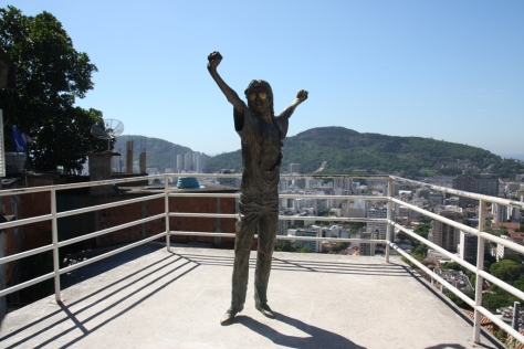 Michael Jackson statue, Santa Marta